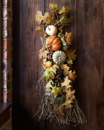 A beautiful harvest spray. I would love to recreate this with a few cotton boll stems to add a bit of the rustic South to the mix.