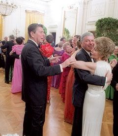~from Vanity Fair. Ronald Reagan cuts in on Frank Sinatra in 1981, during the last era of proper dinner party in DC.