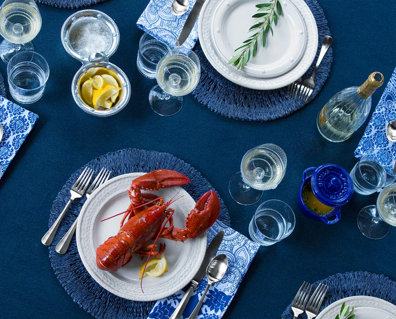Anchor your table with one repeating color. [photo cred: Bloomingdales]
